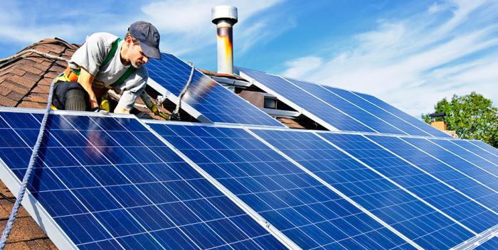 """Жителям частных домов разрешат продавать """"зеленую"""" электроэнергию"""