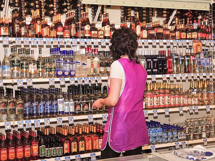 Запрет на розничную продажу алкоголя не распространится на кафе и рестораны