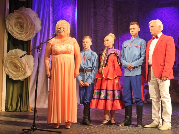 Шахтинская семья Толстых напутствовала финалистов областной семейной ассамблеи