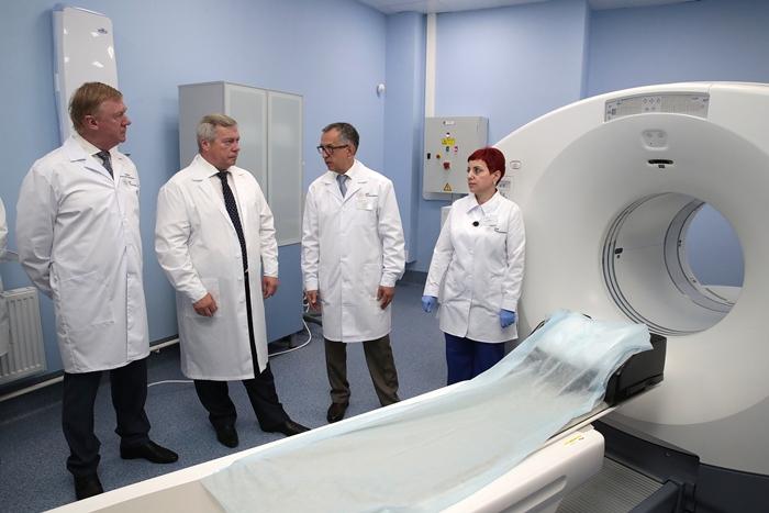 Василий Голубев и Анатолий Чубайс открыли в Ростове Центр ядерной медицины