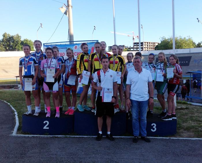 Софья Володина и Алина Мелихова взяли серебро на Первенстве России по велоспорту