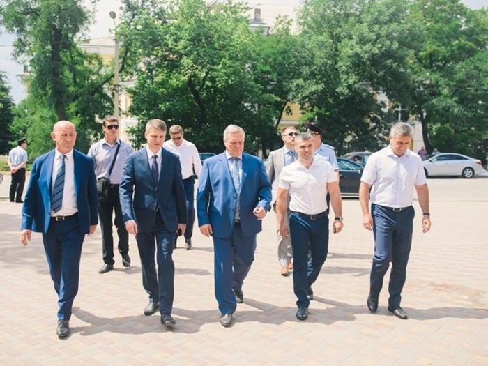 Губернатор Василий Голубев побывал в Шахтах