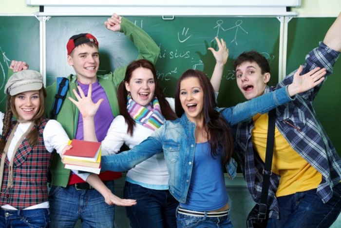 Увеличена стипендия для студентов колледжей, техникумов и училищ