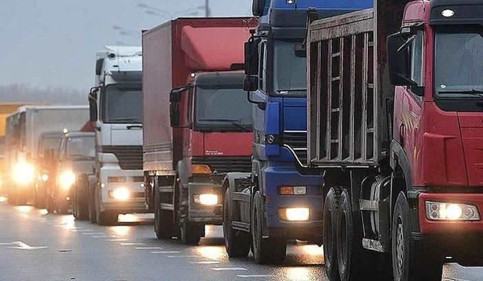 """Поток большегрузов не хлынет через Шахты после объявления платным прилегающего участка М-4 """"Дон"""""""