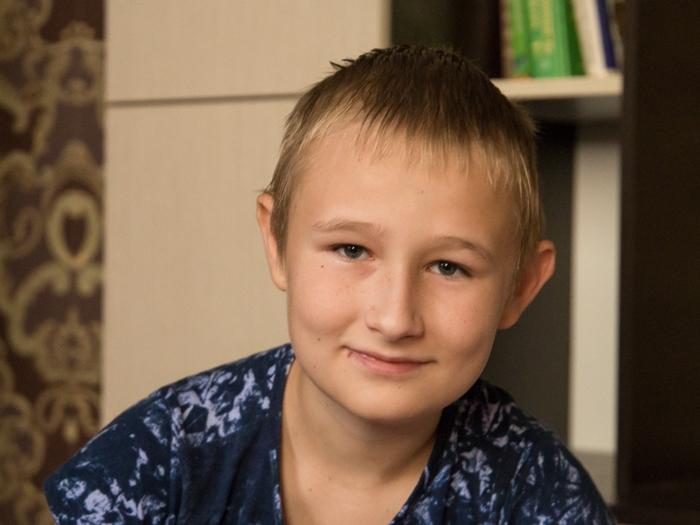 Продолжается сбор средств для операции на сердце 14-летнему шахтинскому школьнику Максиму Кольм