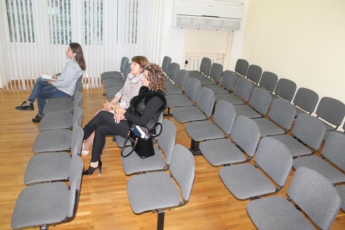 Публичные слушания спокойнее проводить без публики