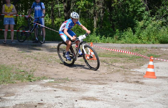 Шахтинка Анна Разваляева стала победительницей соревнований по маунтинбайку