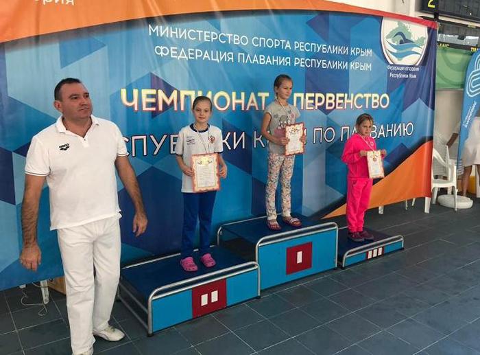 Шахтинские пловцы привезли победы с Открытого чемпионата и Первенства Крыма