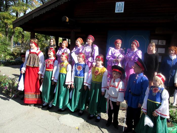 Таловчанам показали праздничный концерт