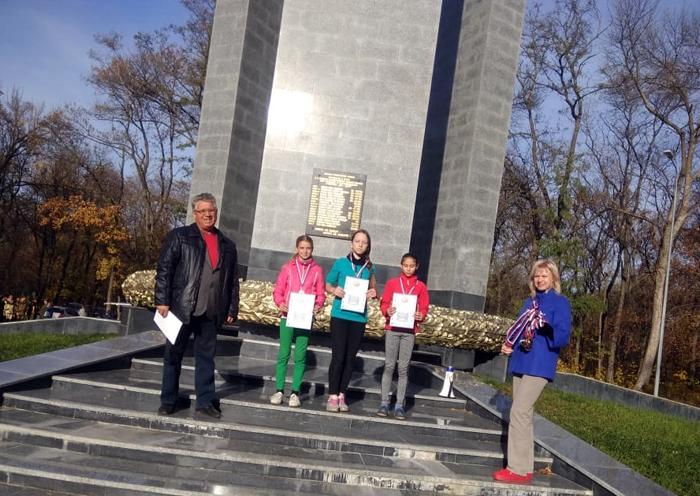 Восемь золотых медалей привезли с областного Первенства шахтинские велосипедисты