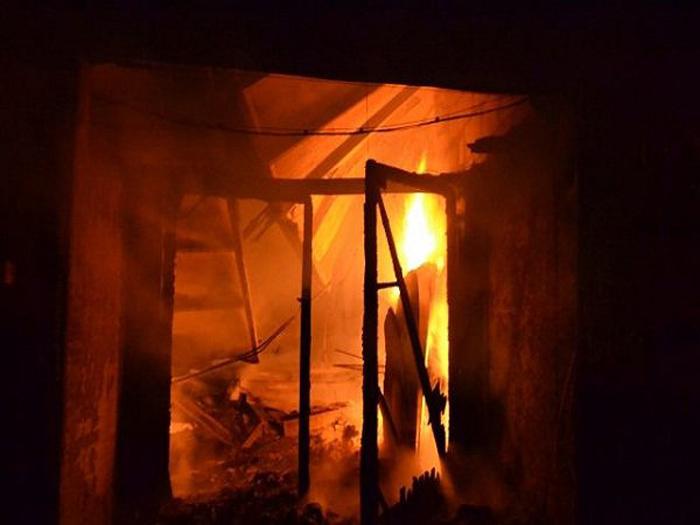 В поселке Майский произошел пожар