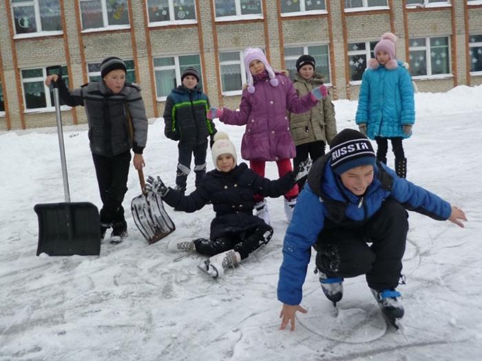 С понедельника аютинские ребятишки вновь пойдут в школу и в детский сад