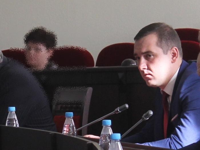 Шахтинский депутат обвинил главу города в воспрепятствовании его депутатской деятельности