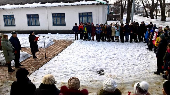 В посёлке Таловом прошёл митинг