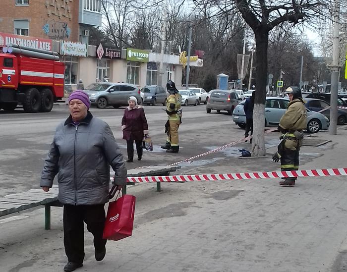 На Советской возле магазина Европа обнаружили бесхозный пакет