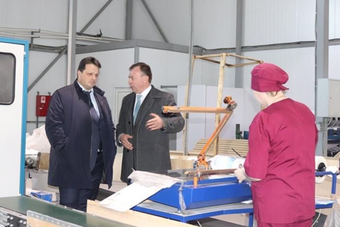 Замгубернатора обсудил вопросы модернизации шахтинских предприятий и принял граждан