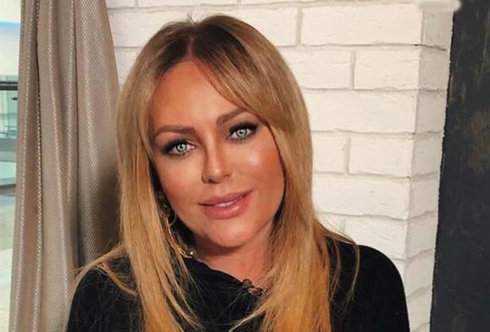 В возрасте 38 лет умерла певица Юлия Началова