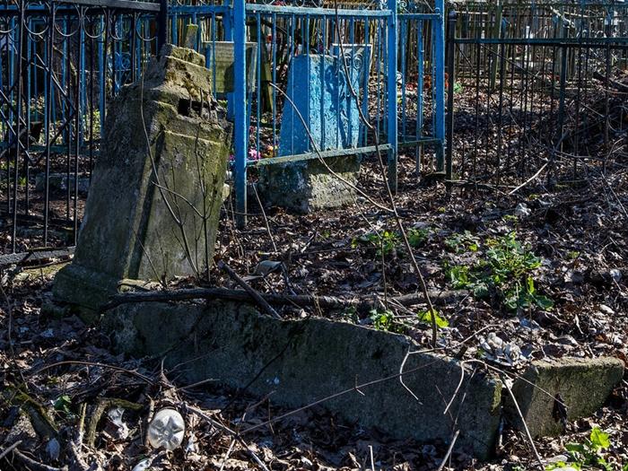 На шахтинских кладбищах готовы предложить новые услуги