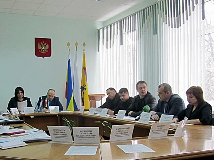 В комитете по местному самоуправлению поспорили о коррупции