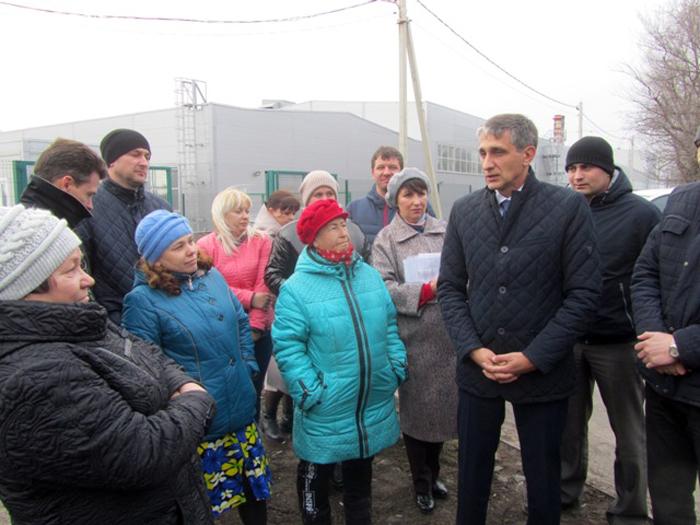 В поселке Новогресс масса проблем