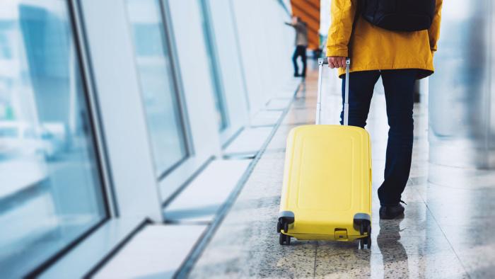 В отпуск без чемодана. Почему авиакомпании меняют тарифы на багаж