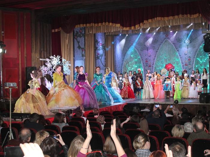 На конкурсе красоты и таланта в Шахтах вновь ожила сказка