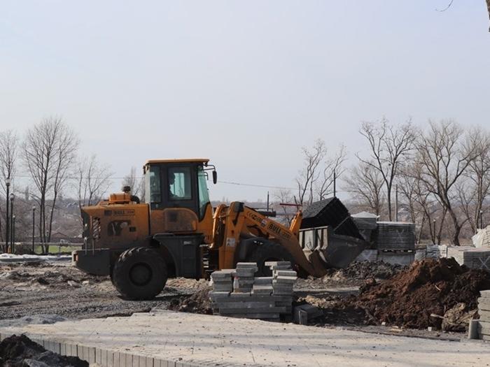 Сквер на Артёме обещают полностью обновить к концу лета