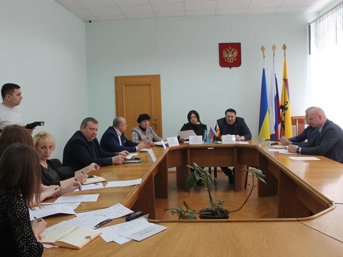 Шахтинские депутаты решали, насколько секретным будет их новый комитет