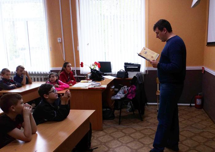 Для учеников школы поселка Машзавод провели уроки памяти